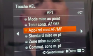 Appuyer et relâcher AF/MF Sony